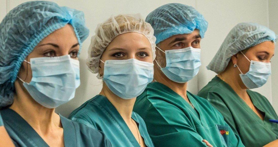 В Україні вісім медиків захворіли на коронавірус