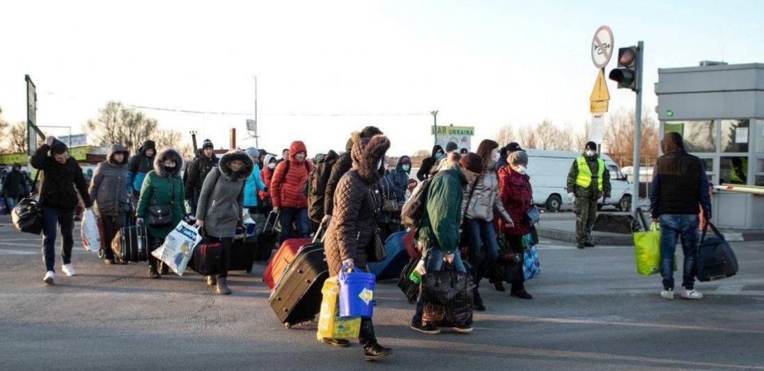 На польсько-українському кордоні – тисячі українців, охочих повернутися додому