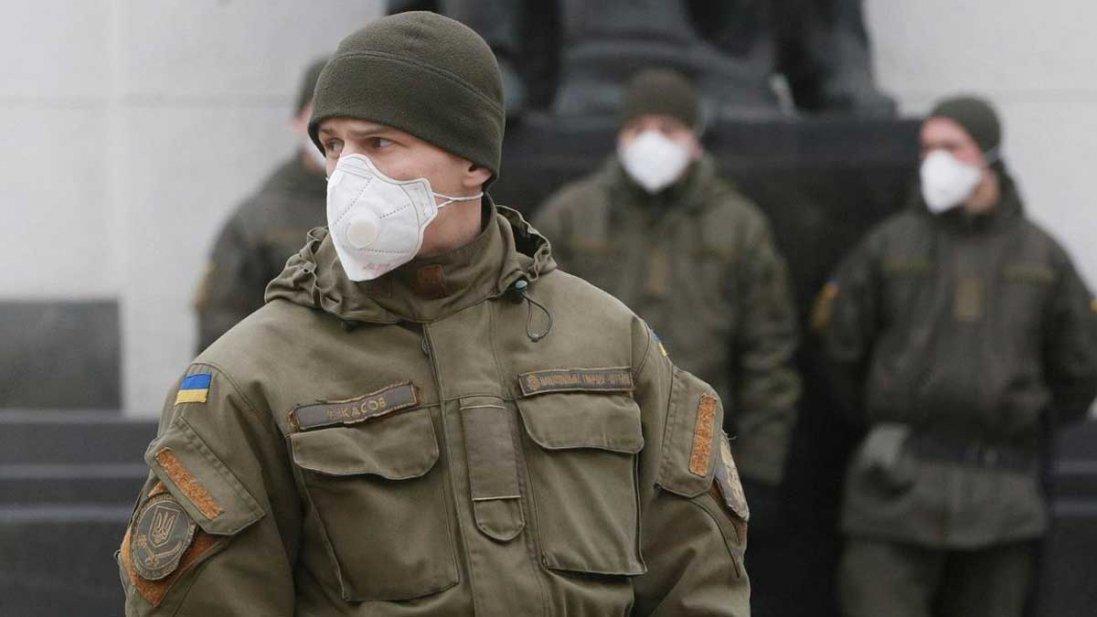 Українських військових не будуть масово тестувати на коронавірус