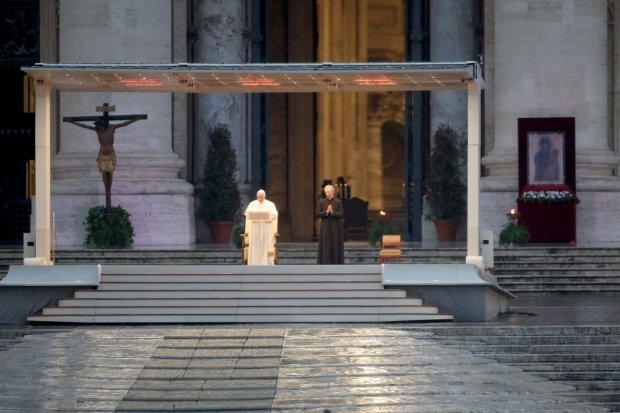 Папа Римський помолився за закінчення коронавірусу / Фото Getty images