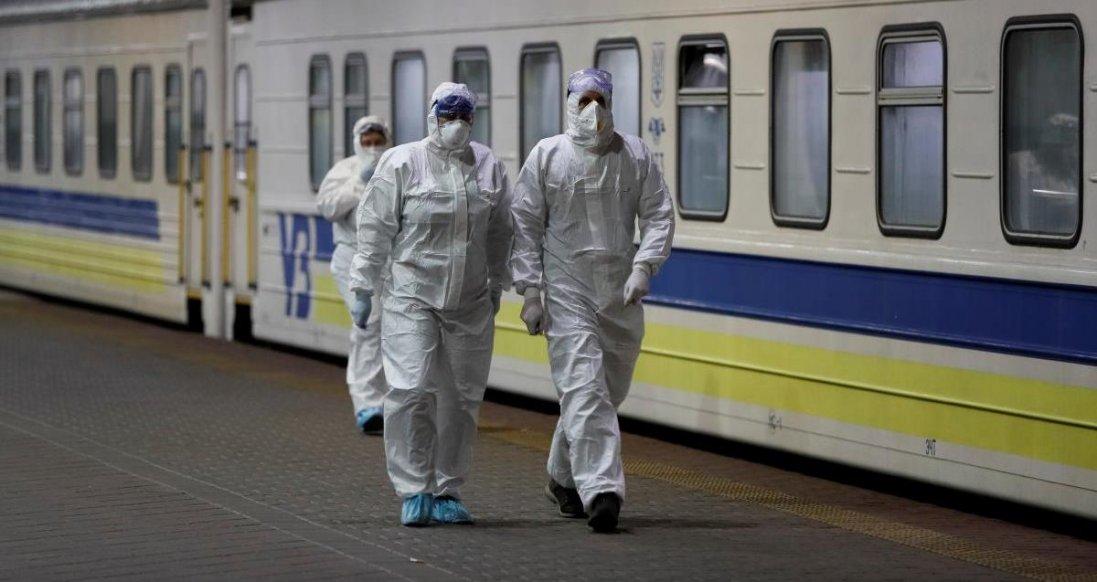У Київ спецрейсом привезли українців з Москви
