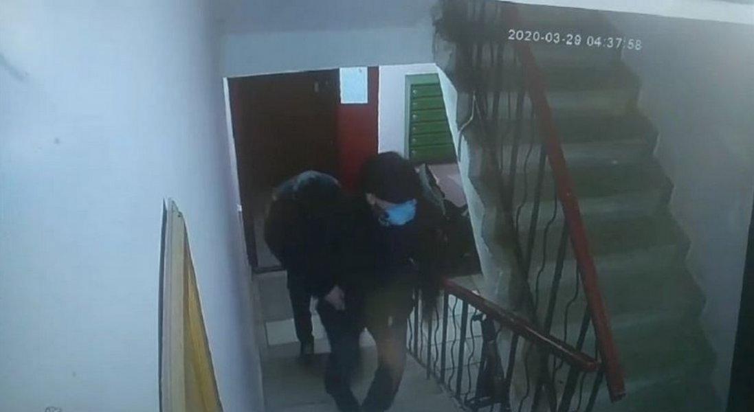 У Луцьку крадії в масках проникли в квартиру, поки господарі спали