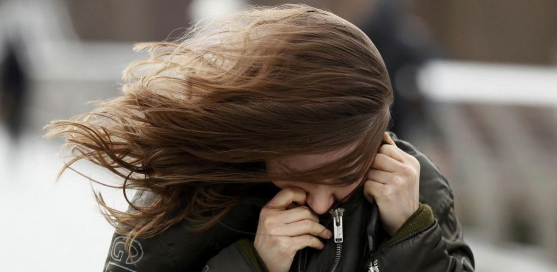 Штормове попередження в Україні: сильний вітер і мороз до -9