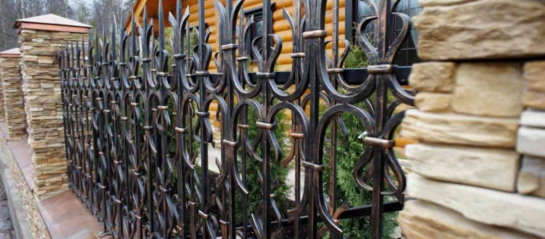 Як вибрати ідеальний паркан?