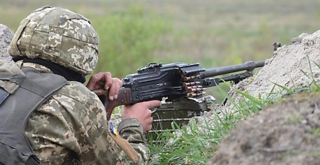 На Донбасі загинув український військовий, ще троє – поранені