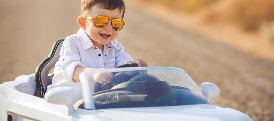 Дитячий електромобіль: більше, ніж просто іграшка