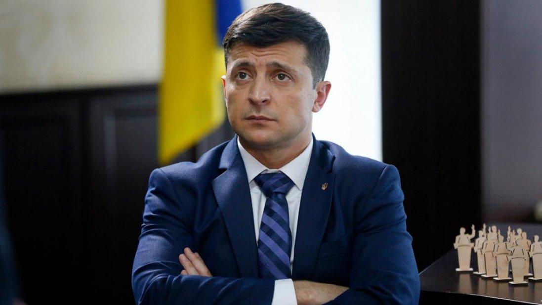 Президент України Володимир Зеленський подав у відставку