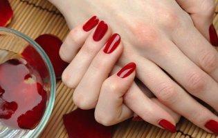 Як доглядати за нарощеними нігтями