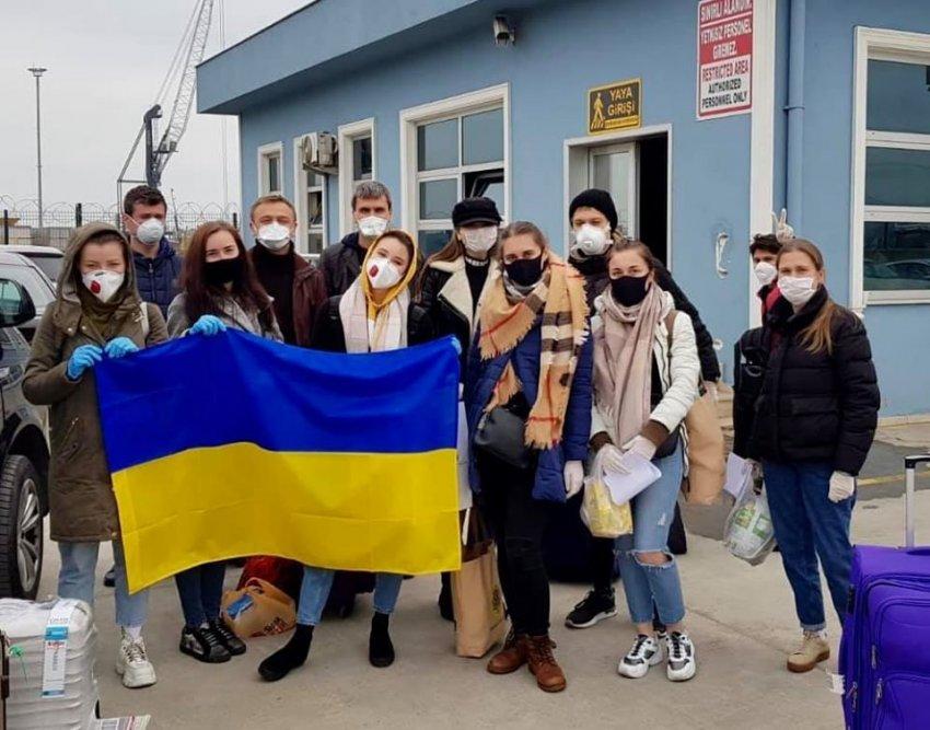 В Одесу з Туреччини прибув паром з українцями