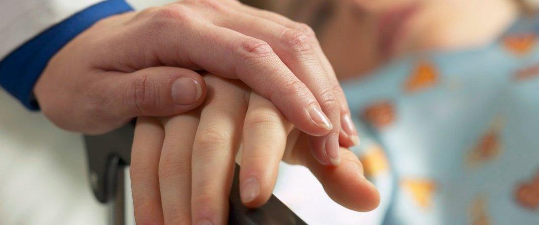 На Луганщині від пневмонії померла дитина: батькам загрожує в'язниця