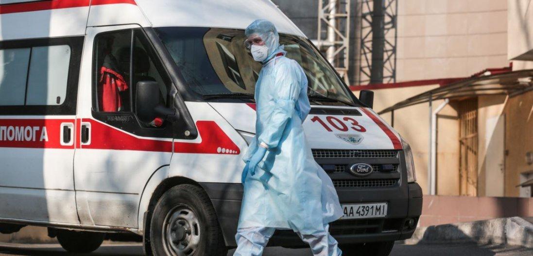 В Україні хворих на коронавірус відмовляються тестувати та госпіталізувати