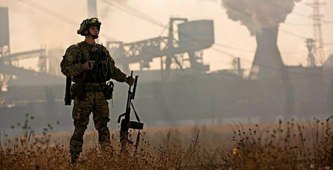 На Донбасі під обстрілами  загинув український  воїн