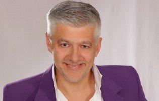 «Янголам у білих халатах», - шоумен у Луцьку присвятив пісню медикам