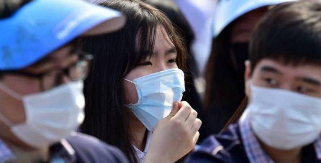 В Китаї нова потужна хвиля коронавірусу: сотня заражених