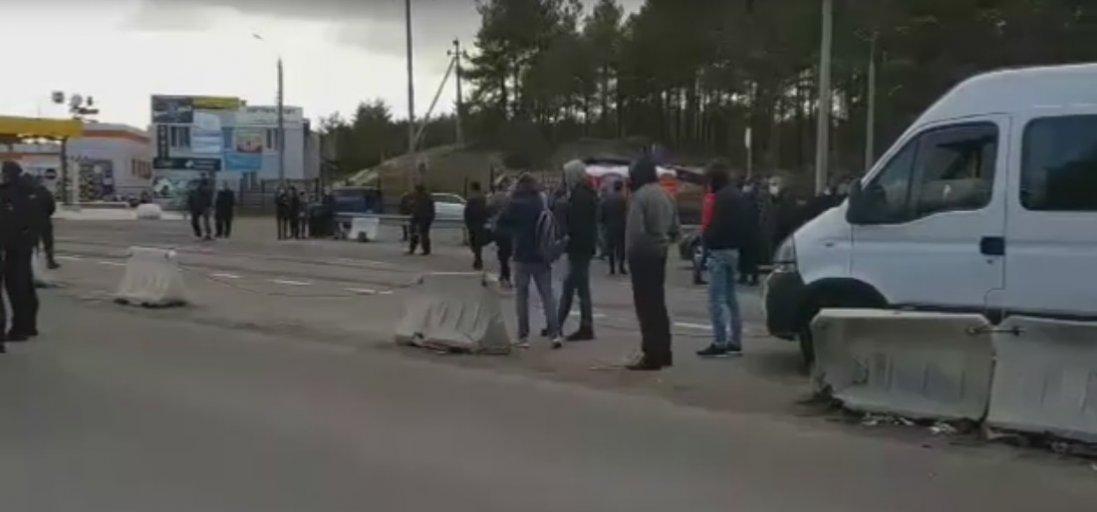 На «Ягодині» блокували рух через обов'язкову обсервацію