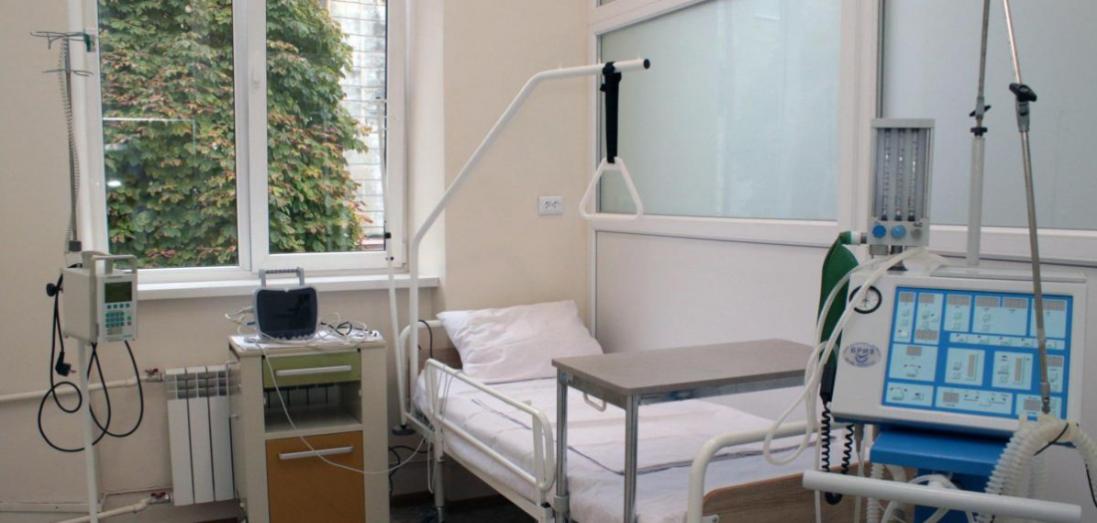 В інфекційній лікарні у Луцьку знаходиться 11 пацієнтів з коронавірусом, двоє – у важкому стані