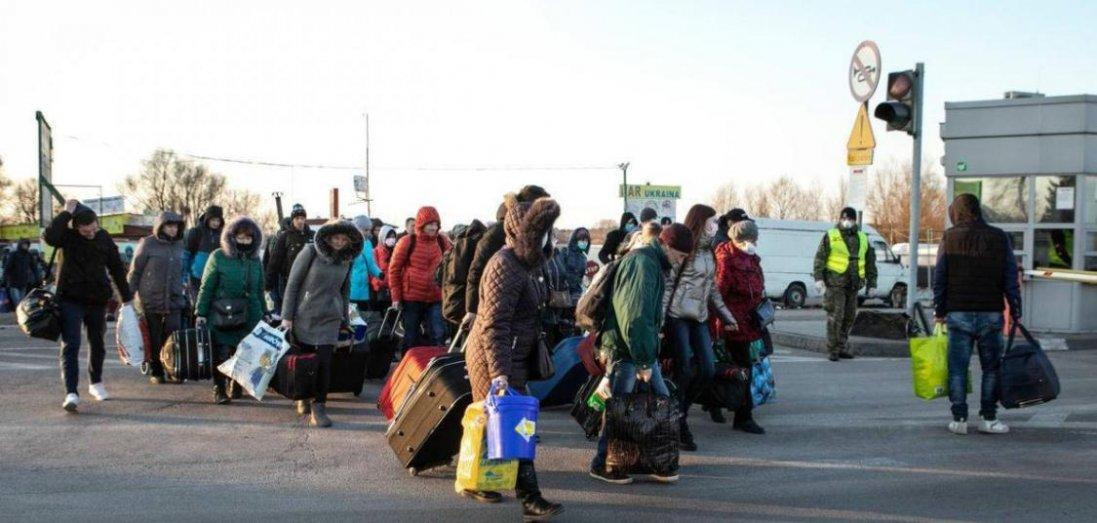 Чи будуть на Волині людей з-за кордону відправляти до обсервації: деталі конфлікту на «Ягодині»