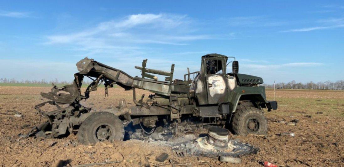 На Херсонщині вибухнув військовий автомобіль