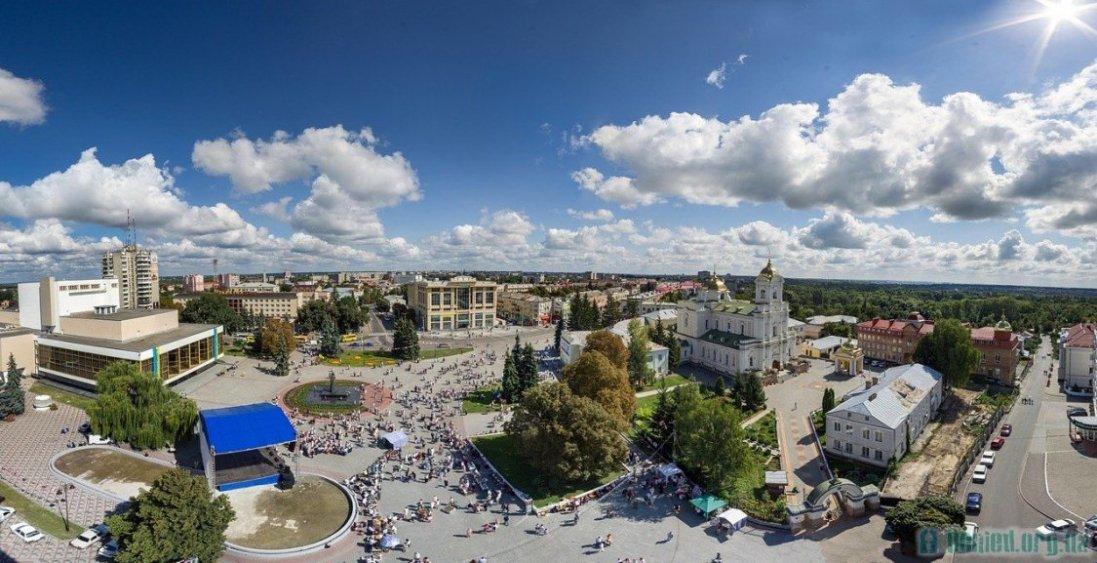 «Слуга народу» перемагає на виборах в Луцьку, - опитування
