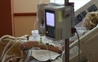 Коронавірус в Україні: лікування госпіталізованого хворого обходиться у 10 тисяч гривень на добу