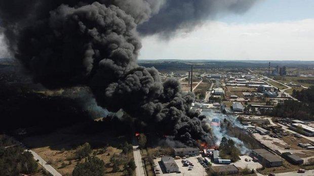 Дим від вибуху було помітно у містах за 20 кілометрів від Кельце / Фото з твіттера