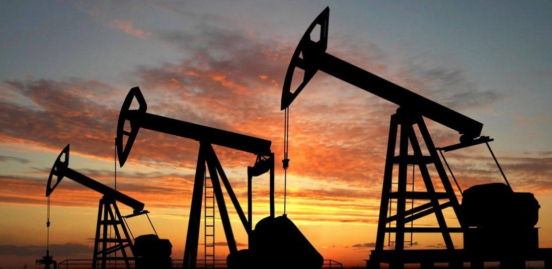Ціна на нафту рекордно впала: що це означає