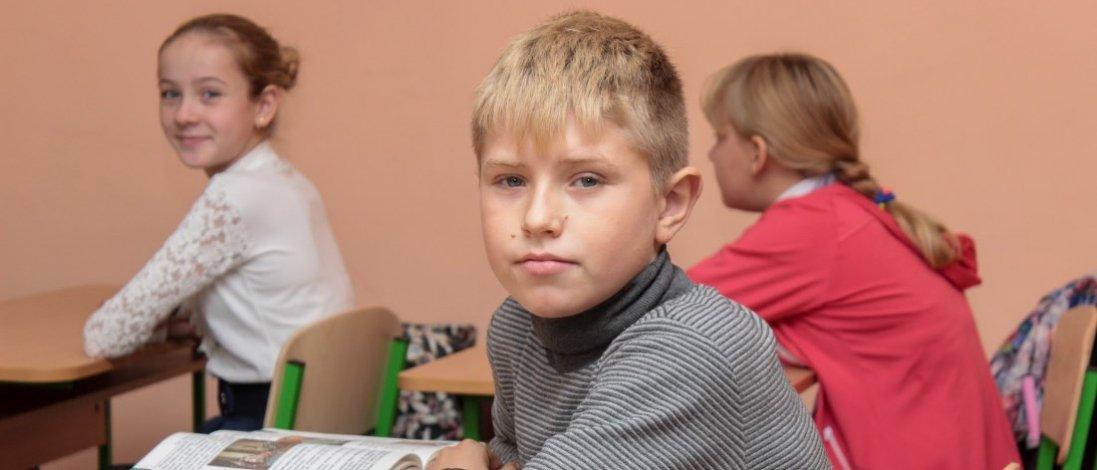 Українські школярі у цьому навчальному році не повернуться до шкіл