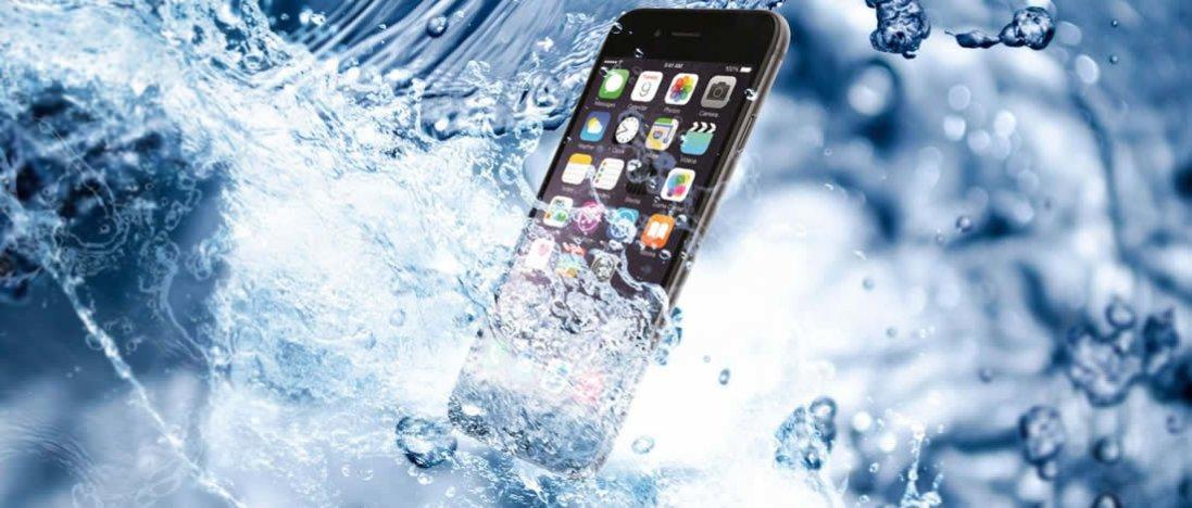 Що робити якщо смартфон впав у воду?