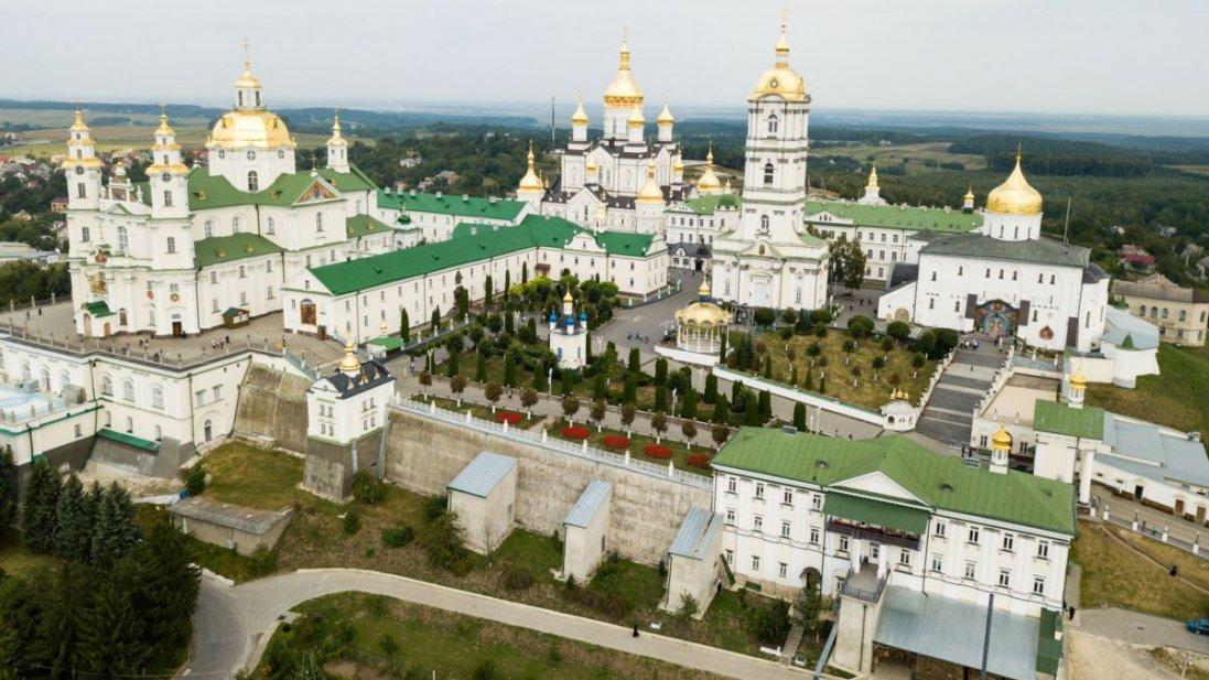 Священники з Почаївської лаври від коронавірусу лікуються в Києві