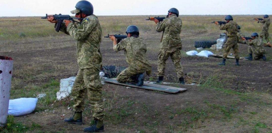На Яворівському полігоні знайшли застреленим курсанта: які версії смерті розглядають