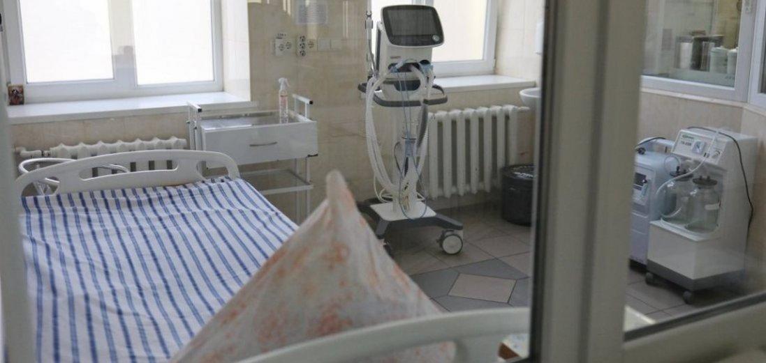 У Тернополі на обсервації в лікарні чоловік скоїв суїцид