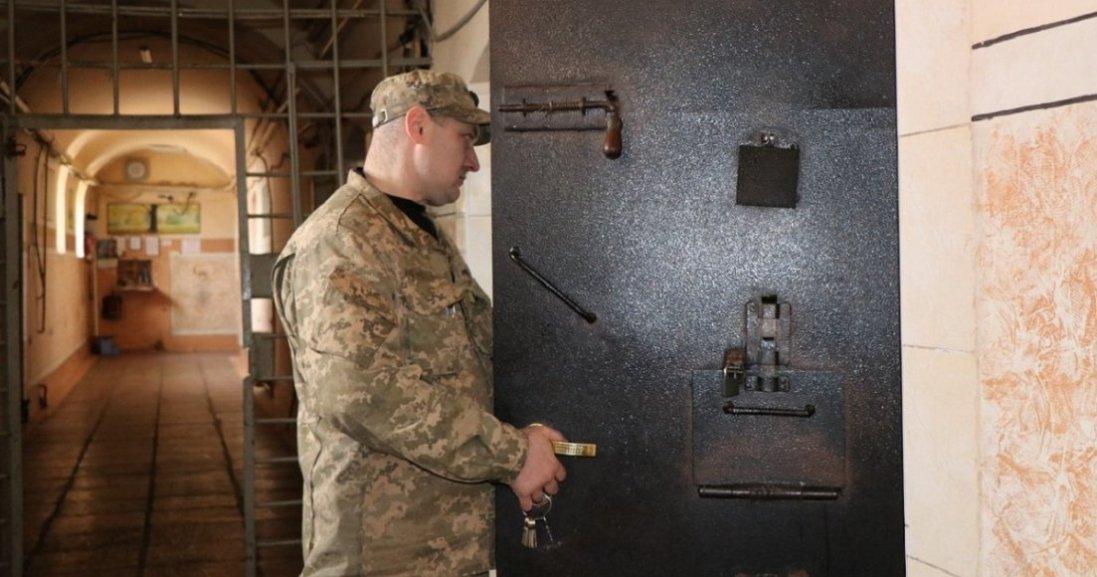 На Буковині - бунт через ув'язненого з COVID-19