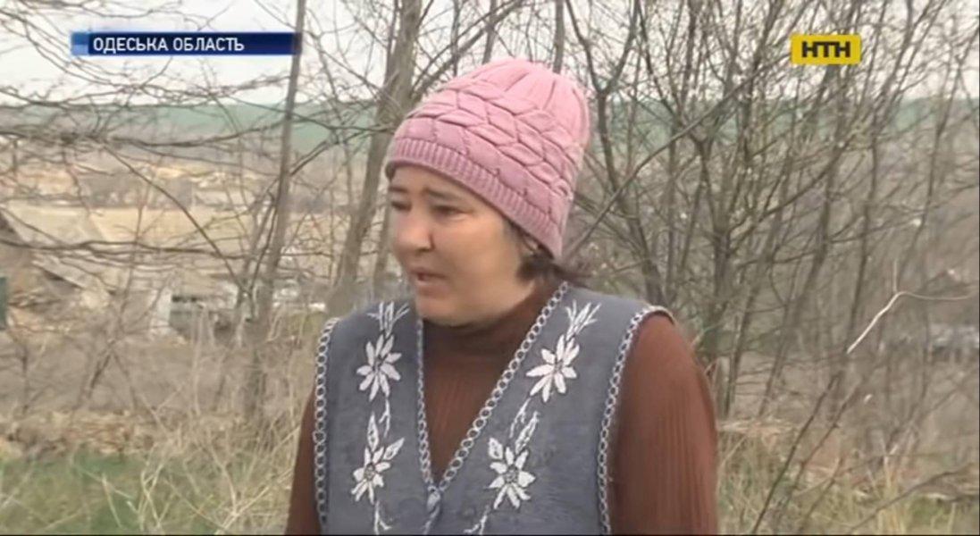 Горе-матір морила голодом 11-річну доньку та посадила її на ланцюг