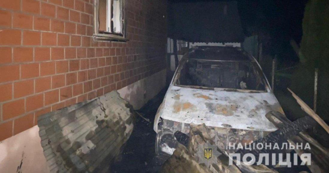 На Рівненщині через підпал авто загорівся будинок