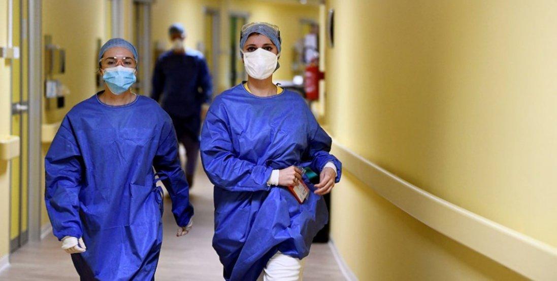 В Україні 2 тисячі 250 медиків заразилися коронавірусом