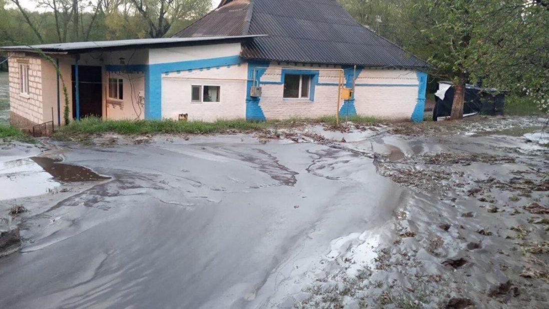 Смерть від зливи: на Вінничині чоловіка змило потоком води