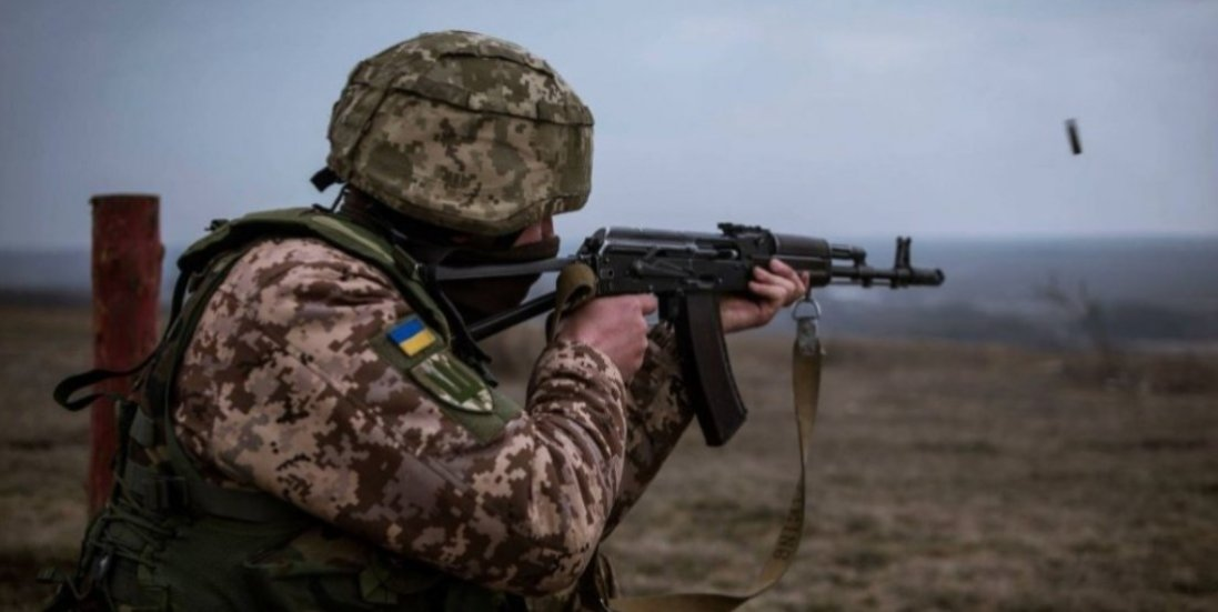 НаДонбасі поранили українського захисника