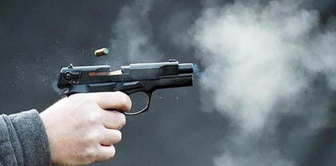 У Дніпрі п'яний підліток стріляв по перехожих  в прямому ефірі