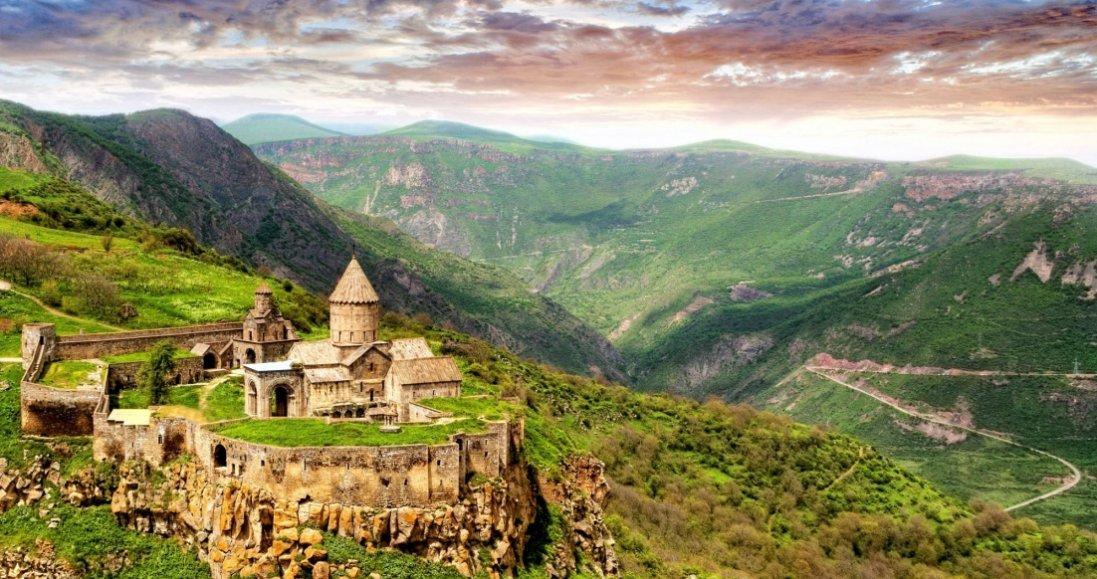 У Грузії з 1 липня прийматимуть закордонних гостей