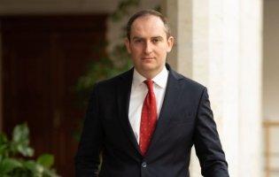 Колишній голова Податкової подав до суду через звільнення