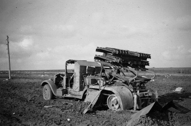 Радянська реактивна установка БМ-8-36, знищена під Харковом у 1942 році</em>/ <em>Фото: memory.gov.ua