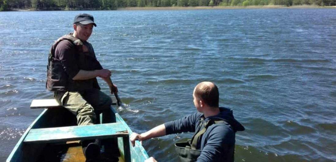 На Волині тіло зниклого чоловіка витягнули з озера