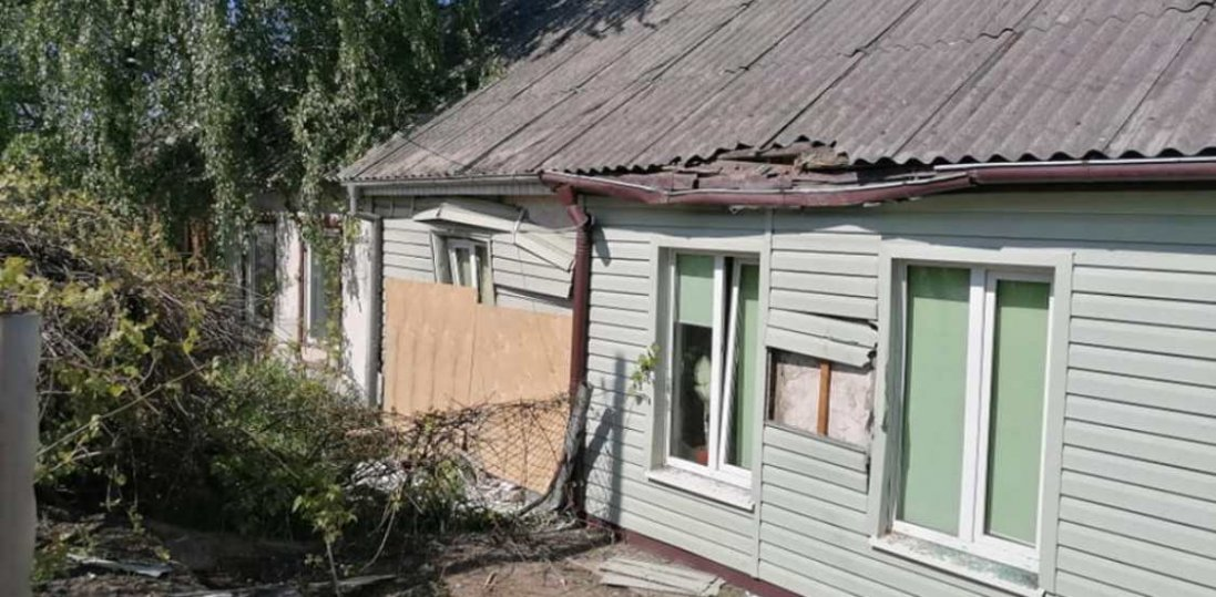 «Жахливий удар – і стіна пилу»: волинянка розповіла про інцидент з авто, яке влетіло  в будинок