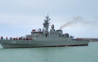 Найсучасніший військовий корабель Ірану затопив своє судно
