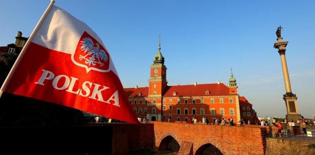 У Польщі для туристів можуть відкрити кордони. Кому?