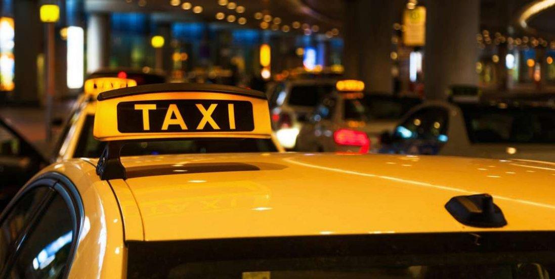 В Одесі таксистка обікрала пасажирку на 72 тисячі