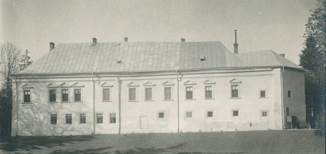 Фото втраченого Поморянського замку