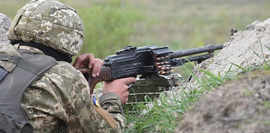 На Донбасі внаслідок ворожих обстрілів троє українських бійців поранено