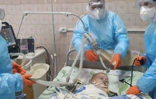 На Вінниччині після коронавірусу 2-річний хлопчик втратив зір та не може ходити