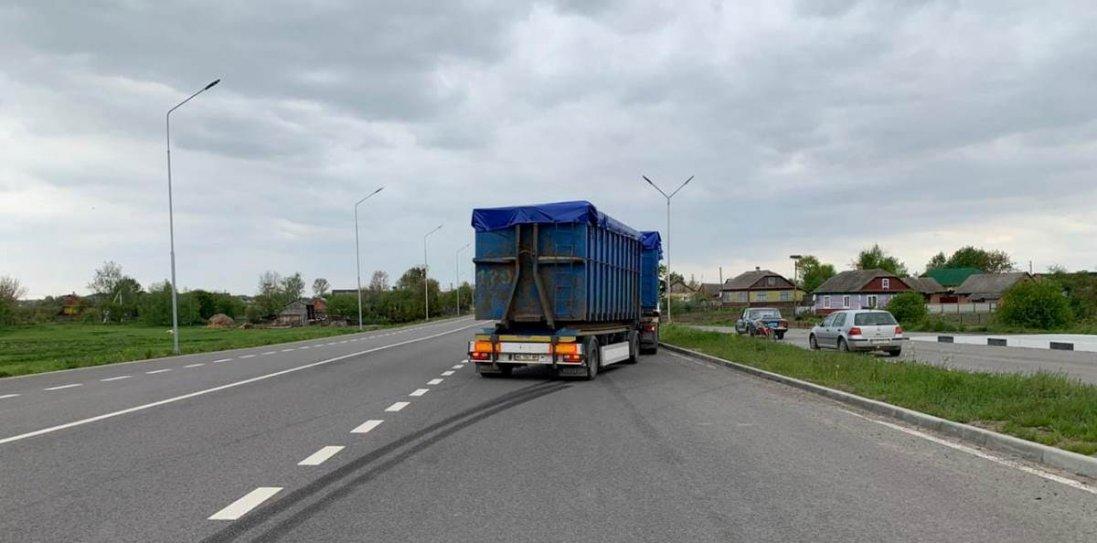 На Волині вантажівка збила велосипедиста